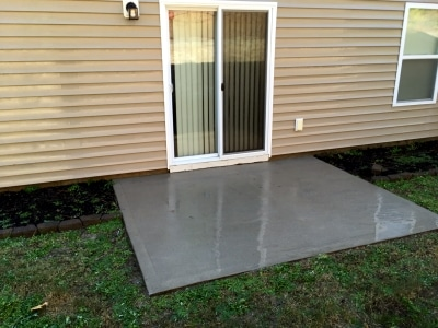 freshly pressure washed patio in Chapin SC